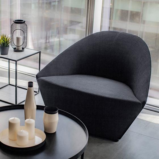 CDBBF_Feestoon_Lounge_Chair_Black_(4)