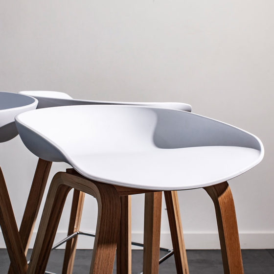 LDWOP_Scandinavian_Stool_White_(1)